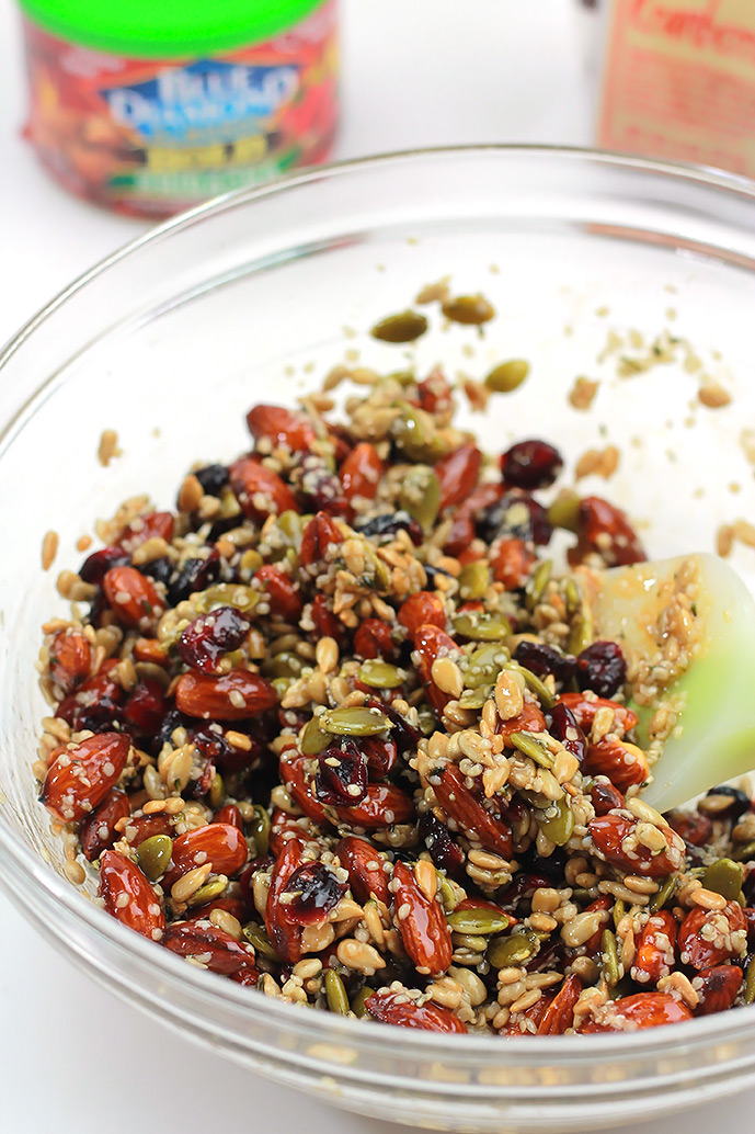 Bold-Sririacha-Mix-in-Bowl
