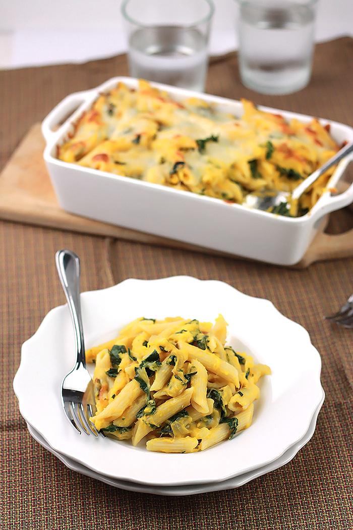 Love Alfredo Sauce but don't love the calories that come with it. This Kale Butternut Pasta Bake is loaded with flavor without the calorie guilt.