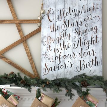 Welcome to Pretty Pintastic Party #134 and my feature pick of the week. It's hard to believe we are in the final week of 2016, where has the time gone? I'm excited about my feature pick this week, it's a holiday project I found over at The Turquoise Home, a DIY Christmas Lettered Pallet Sign